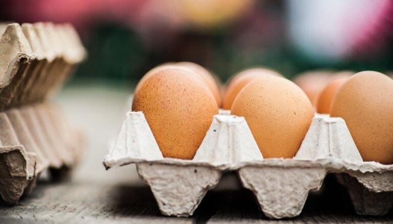 Kādēļ olas jāglabā ar spico galu uz leju?