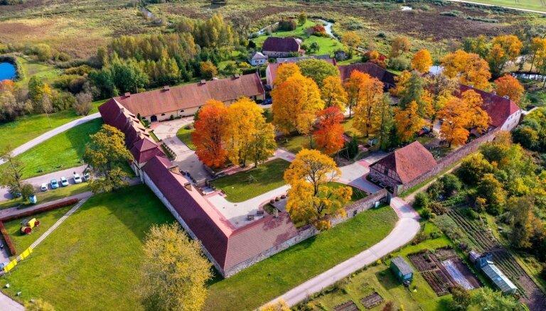 Вид сверху: Уникальные осенние ФОТО усадьбы Шлокенбека