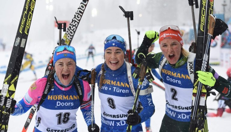 Российская биатлонистка Юрлова завоевала серебро в масс-старте на чемпионате мира
