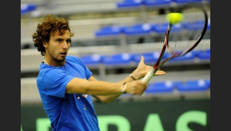 Gulbja pretinieks Dubaijas 'ATP World Tour 500' turnīra otrajā kārtā - ukrainis Stahovskis