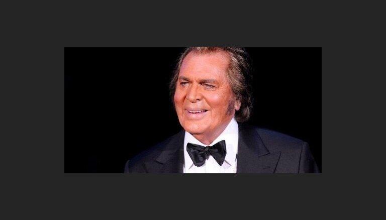 """На """"Евровидение"""" от Англии поедет 75-летний певец"""