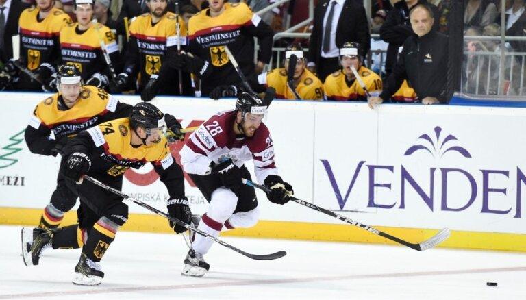 ФОТО: Хоккеисты Латвии впервые за 16 лет остались без Олимпиады
