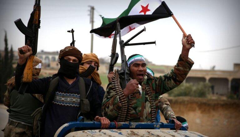 ASV pamet kurdus: Par Menbižu cīņai gatavojas gan turki, gan sīrieši