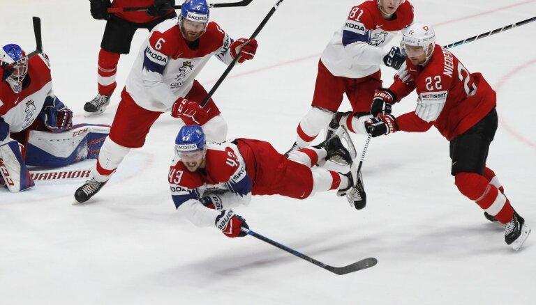Čehijas izlase fantastiskā mačā pieveic Šveici