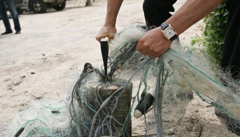 Gaujā un jūras piekrastē notverti maluzvejnieki – 'rūtaino makšķeru' licēji