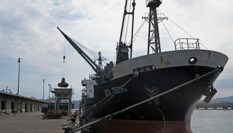 ANO melnajā sarakstā nonāk firmas un kuģi, kas palīdzējuši Ziemeļkorejai apiet sankcijas