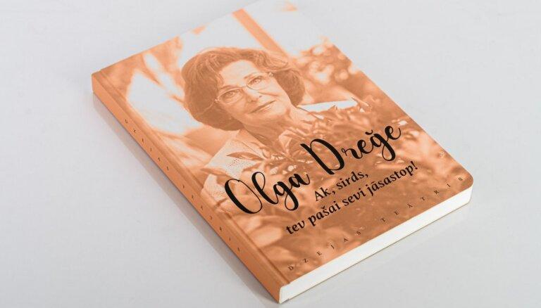 Sērijā 'Dzejas teātris' izdota Olgas Dreģes iemīļotā dzeja