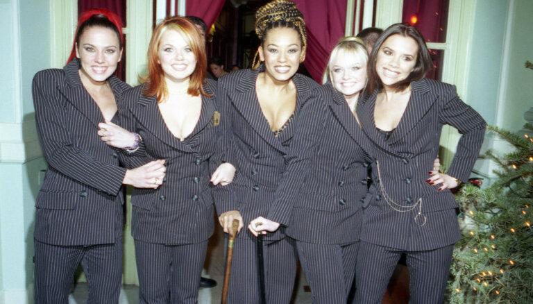 Popgrupa 'Spice Girls' atkalapvienojas koncertturnejai