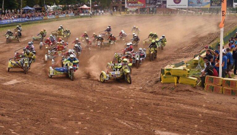 Bakss ar Stupeli 'Pīlādžu' mototrasē izcīna otro vietu pasaules čempionāta posmā