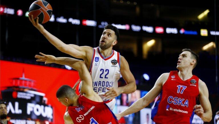 Strēlnieks un CSKA Eirolīgas pusfinālā atzīst 'Anadolu Efes' pārākumu
