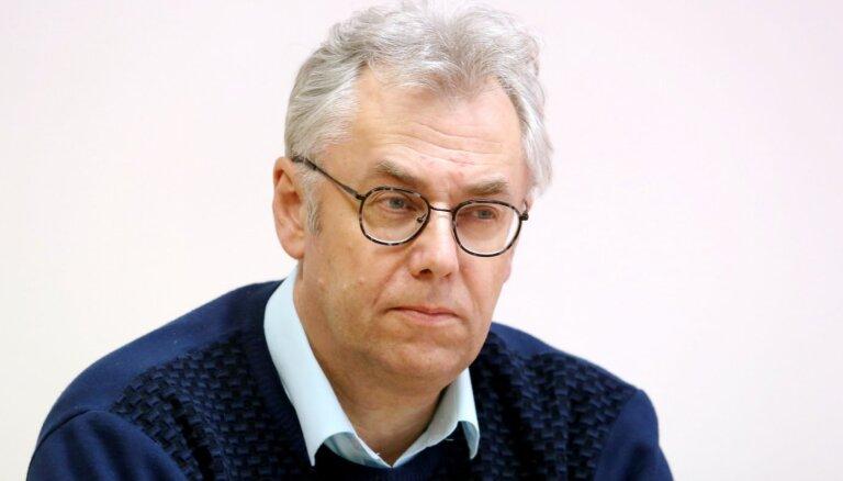 Katru dienu saslimst kāds mediķis – Perevoščikovs aicina viņus saudzēt