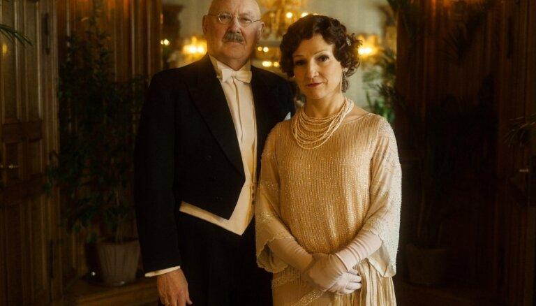 Ietekmīgi un slaveni. Iepazīsti filmas 'Emīlija. Latvijas preses karaliene' galvenos tēlus!