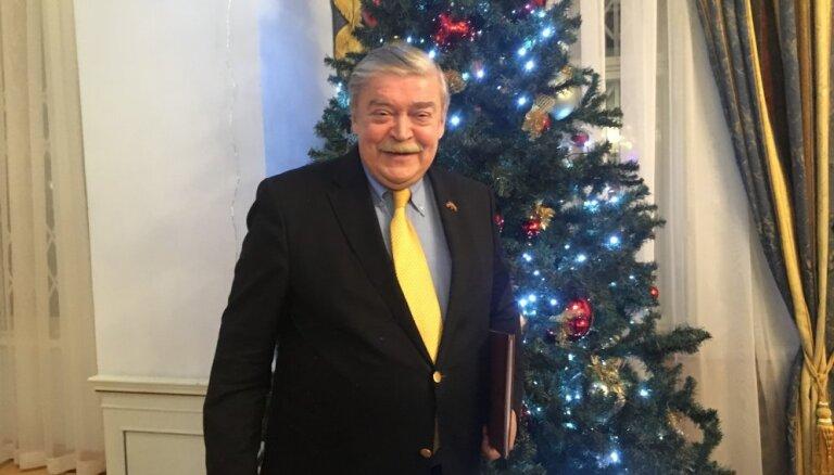 Посол России Евгений Лукьянов: быть умной телятей у Латвии пока не получается!