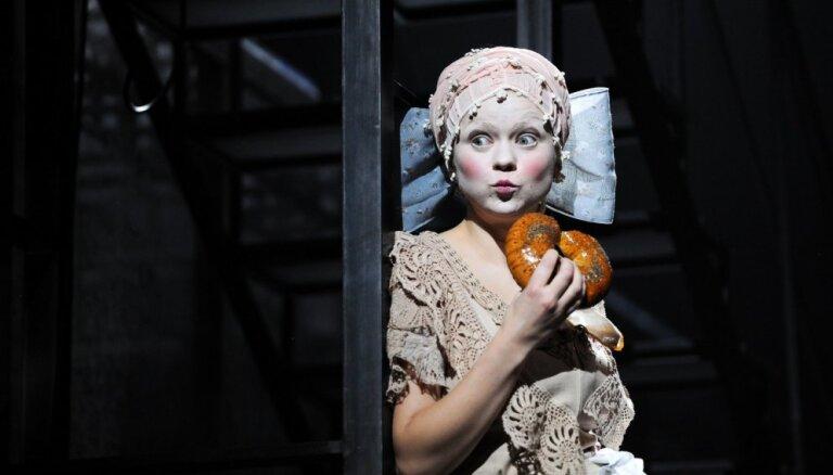 Foto: Nacionālajā teātrī pirmizrādi piedzīvos Rogas iestudētā 'Migla'