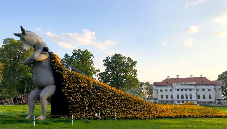 Divu stundu attālumā no Rīgas: Pakrojas muiža Lietuvā