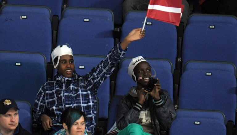 Nenopietnais IIHF rangs: viens Latvijas 'amerikānis' nespēja apturēt 20 amerikāņus