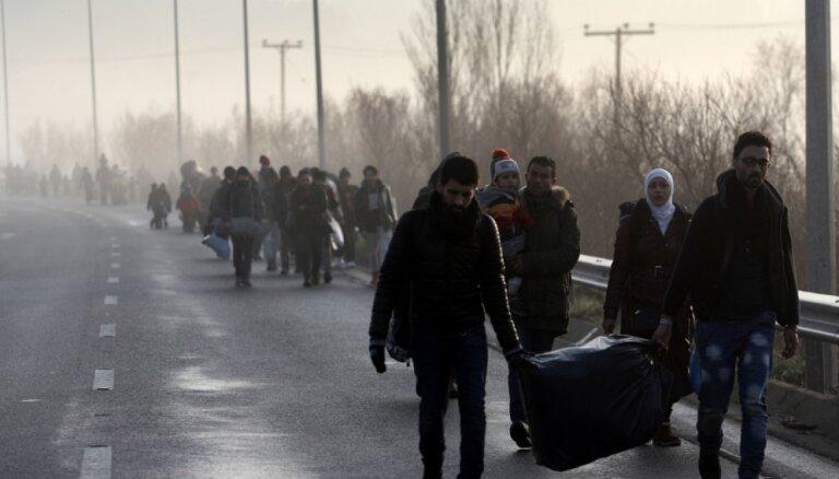 Глава МВД ФРГ призвал сократить соцвыплаты беженцам
