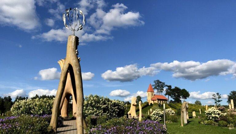 ФОТО. Более 400 скульптур: уникальная гора Царя Иисуса в Аглоне