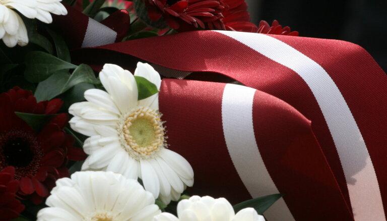 Godinās Latvijas brīvības cīņās kritušo Lielbritānijas, Francijas un Īrijas jūrnieku piemiņu
