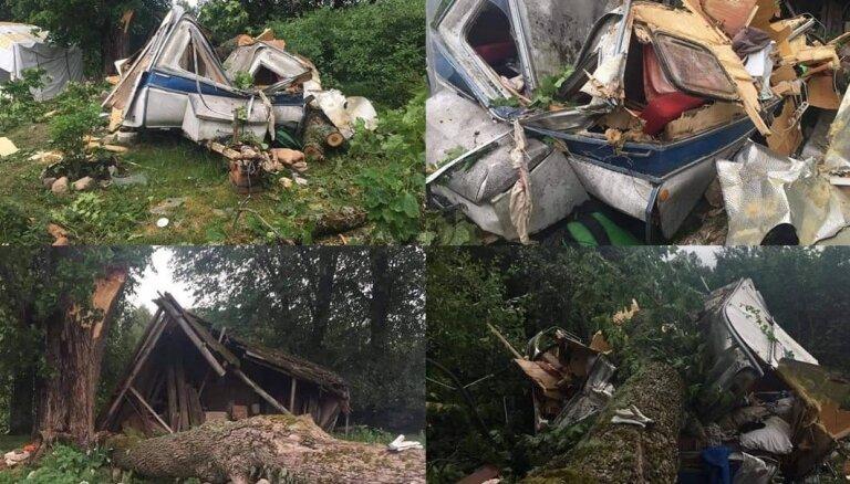 Pēc negaisa postījumiem nelaimē nonākušie lūdz līdzcilvēku palīdzību