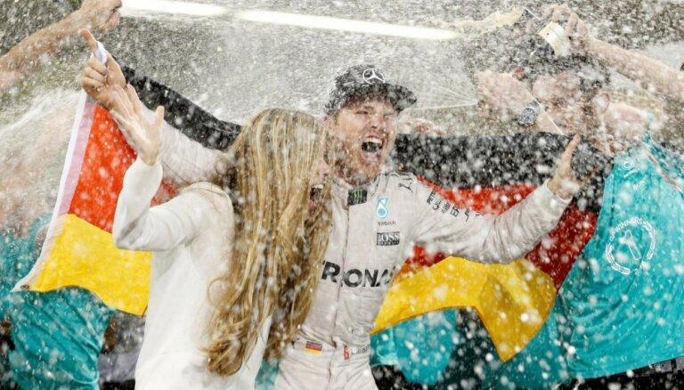 Rosbergs: esmu ļoti lepns, ka man izdevās atkārtot tēva sasniegumu