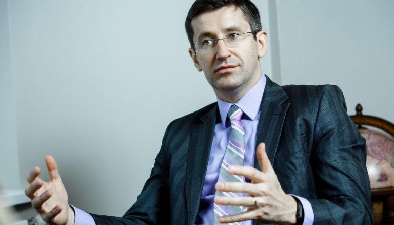 Домбровский: ликвидация ABLV может обойтись Латвии в 0,8% ВВП и 2280 рабочих мест