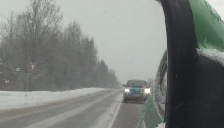 В воскресенье на дорогах Латвии поймано 14 пьяных водителей