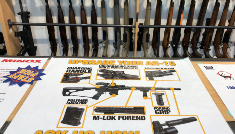 Jaunzēlande aizliegs pusautomātiskos ieročus un kaujas šautenes
