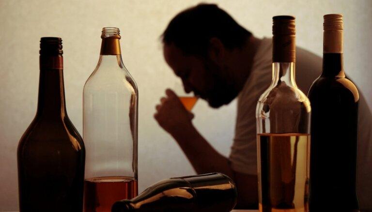 Исследование: во время ЧС латвийцы стали больше курить и пить