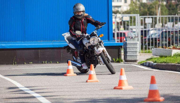 Valdība atļauj veikt arī motociklu vadītāju praktiskās apmācības