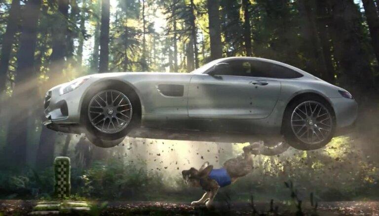 Fabula mūsdienu versijā: Bruņurupucis ar 'Mercedes' pieveic zaķi