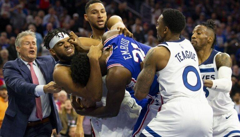Video: NBA uzsākusi pārbaudi par kautiņu '76ers' un 'Timberwolves' mačā