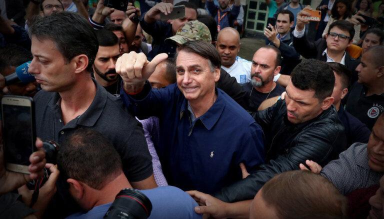 Bolsonaru atzīst, ka apbrīno Trampu