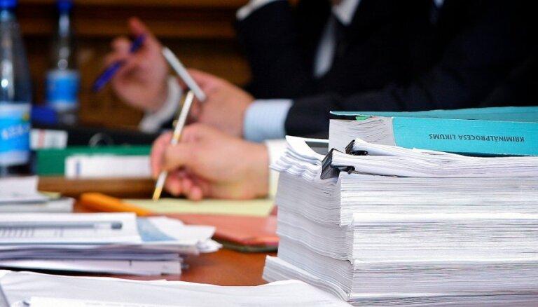 Saeimā izgāžas iecere par liegumu kriminālvajātiem deputātiem strādāt pašvaldībā