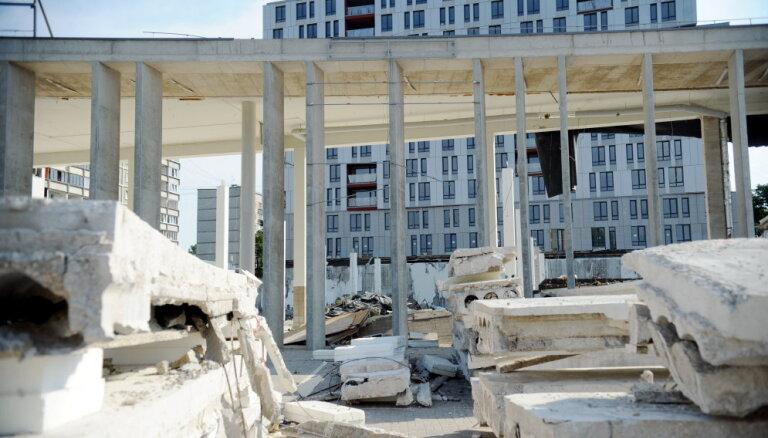 Zolitūdes traģēdijas lietā uz apsūdzēto sola vajadzētu būt kopņu ražotājiem, uzskata Sergeta advokāts