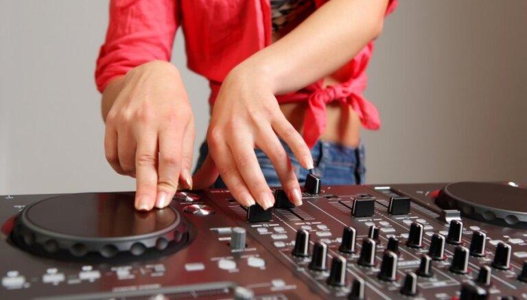 Mūzikas industrijas eksperti: ieņēmumi no mūzikas publiskās atskaņošanas palielinās