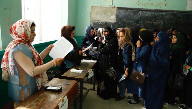 Afganistānā sestdien notiek parlamenta vēlēšanas