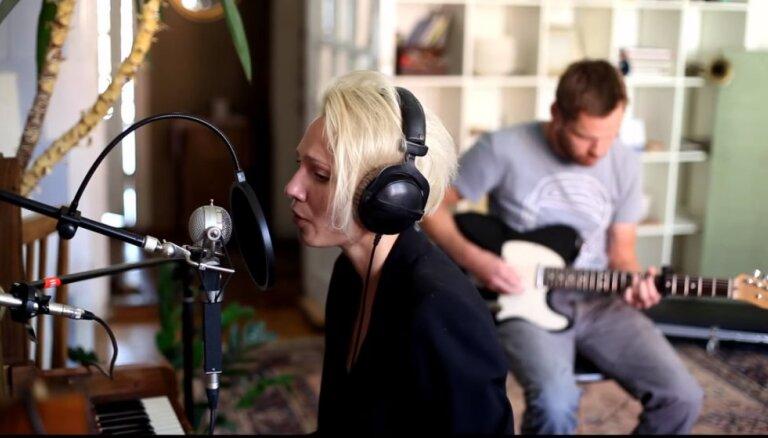 Noklausies! Dziedātāja Maija Līcīte piedāvā klausītājiem dziesmu 'Games'