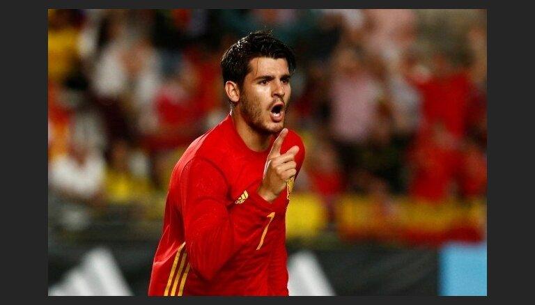Spāņu uzbrucējs Morata neatgriezīsies Londonas 'Chelsea' sastāvā