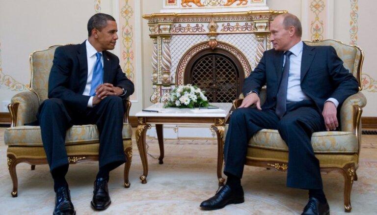 Putins zvana Obamam un piekrīt sākt sarunas par krīzes risinājumu