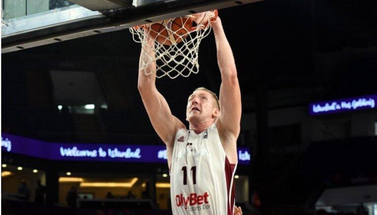 Šmita pārstāvētā 'Monakit' komanda ACB mačā uzvar Blūmu un 'Tecnyconta'