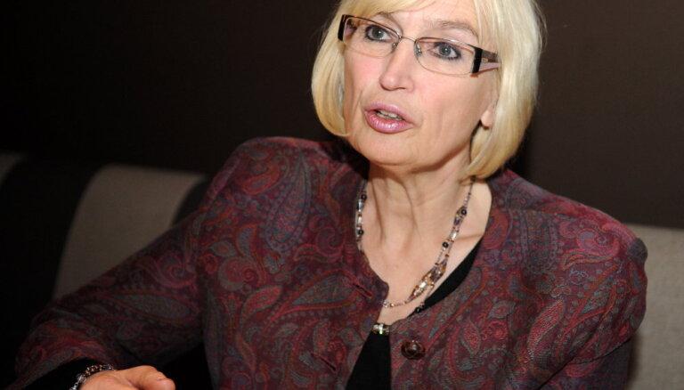 Цирцене: бороться за обеспечение медуслугами неплательщиков налогов — странно