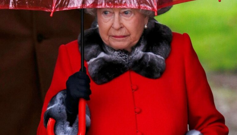 Королева одобрила приостановку работы британского парламента