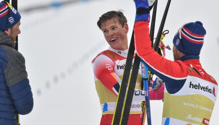 Клэбо убежал в эстафете от Устюгова и оставил российскую команду с серебром