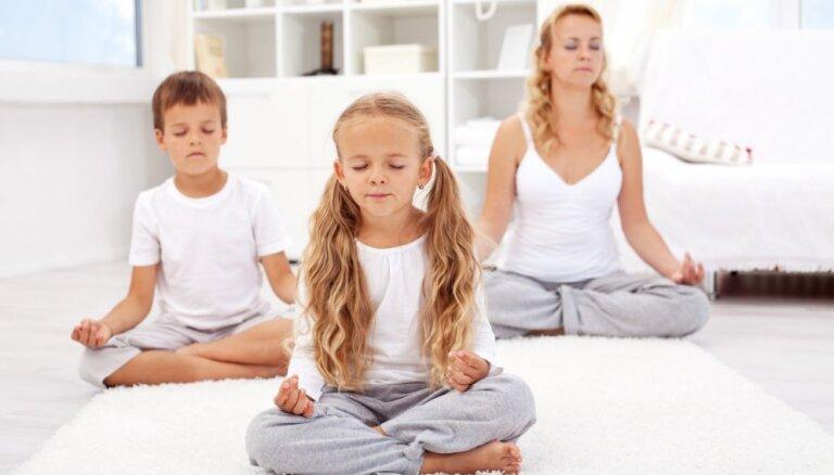 """""""Правильной модели семьи нет"""". Специалист по медитациям о роли женщины в отношениях"""