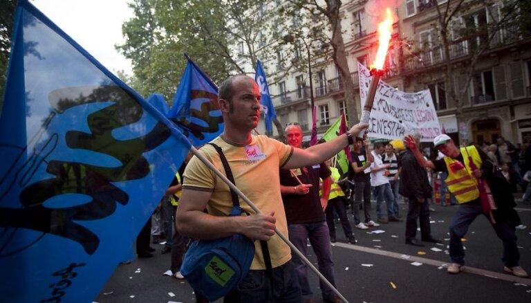 Франция сократит въезд мигрантов на десятки тысяч