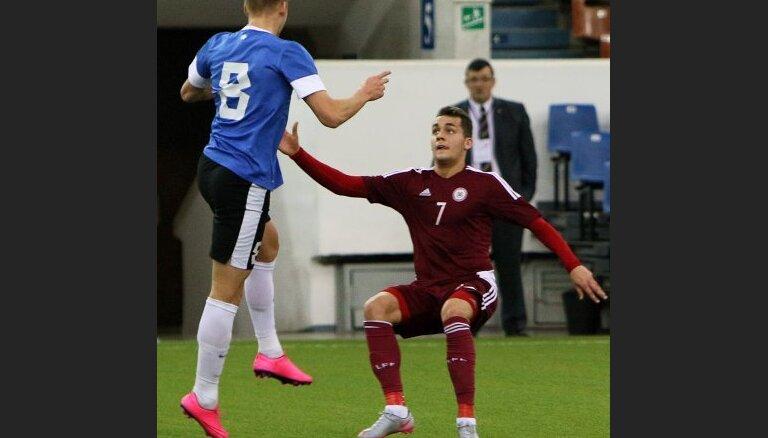 Латвийские футболисты в первом матче Кубка Содружества уступили эстонцам