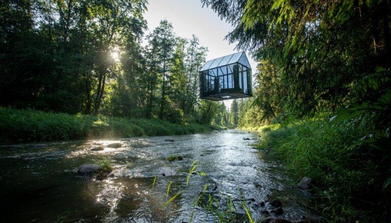 ФОТО. Уникальное место для отдыха – зеркальный гостевой домик над рекой Амата