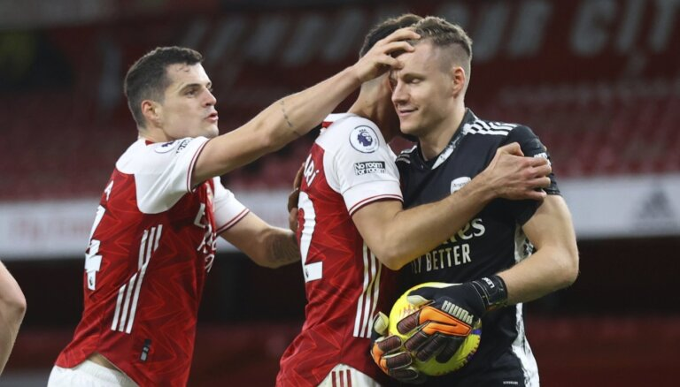 'Arsenal' Londonas derbijā uzvar 'Chelsea' un pārtrauc neveiksmju joslu