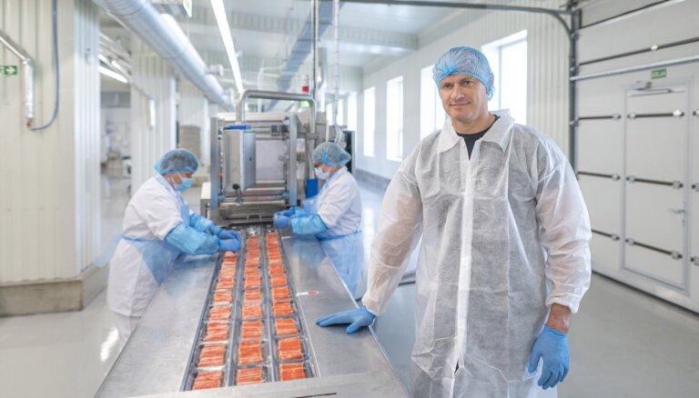 ФОТО: В Латвии на новом заводе запущено производство крабовых палочек